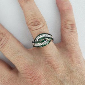 925 Sterling Silver & Green Ring Size 8